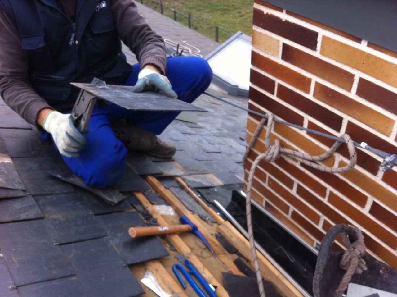 Reparación de goteras en tejados y chimeneas