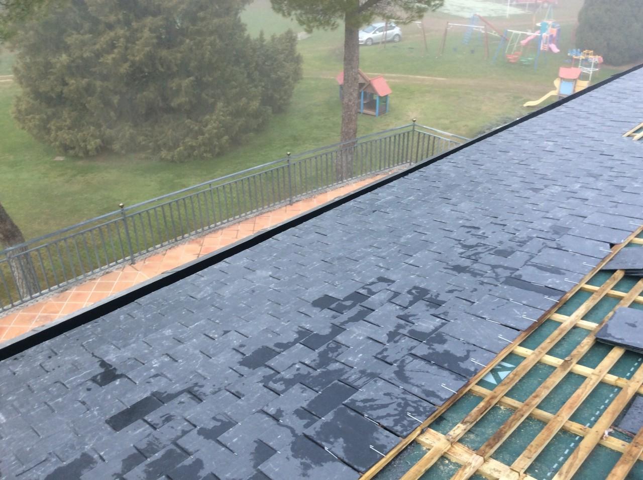 colocacion de pizarra en tejados